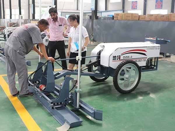 初次体验驾驶激光整平机需做的准备工作